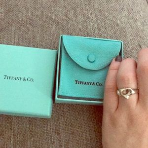 Tiffany and Co.Elsa peretti full heart ring